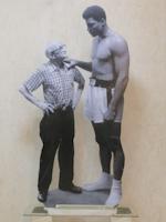 Работы  Andrea Tirinnanzi - Muhammad Ali (Cassius Clay) ???????? ?????????? ??????? бумага на столе