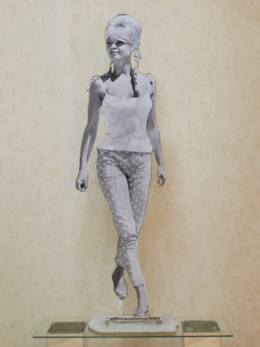 Art work by Andrea Tirinnanzi Brigitte Bardot - bifacial digital sculpting paper on table