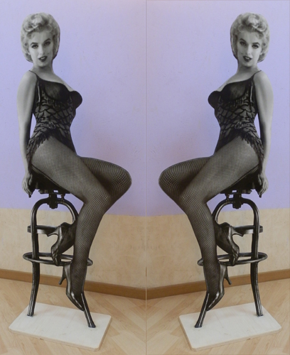 Art work by Andrea Tirinnanzi Marilyn Monroe - bifacial digital sculpting paper on table